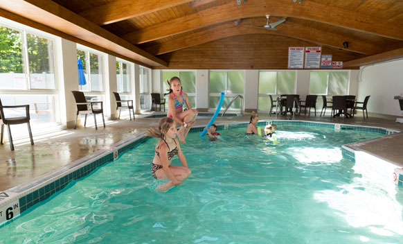 Door County Resort with Swimming Pool