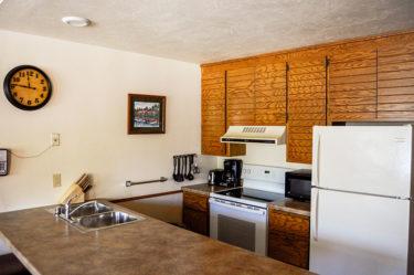 Admirals Loft Kitchen Door County Lodging